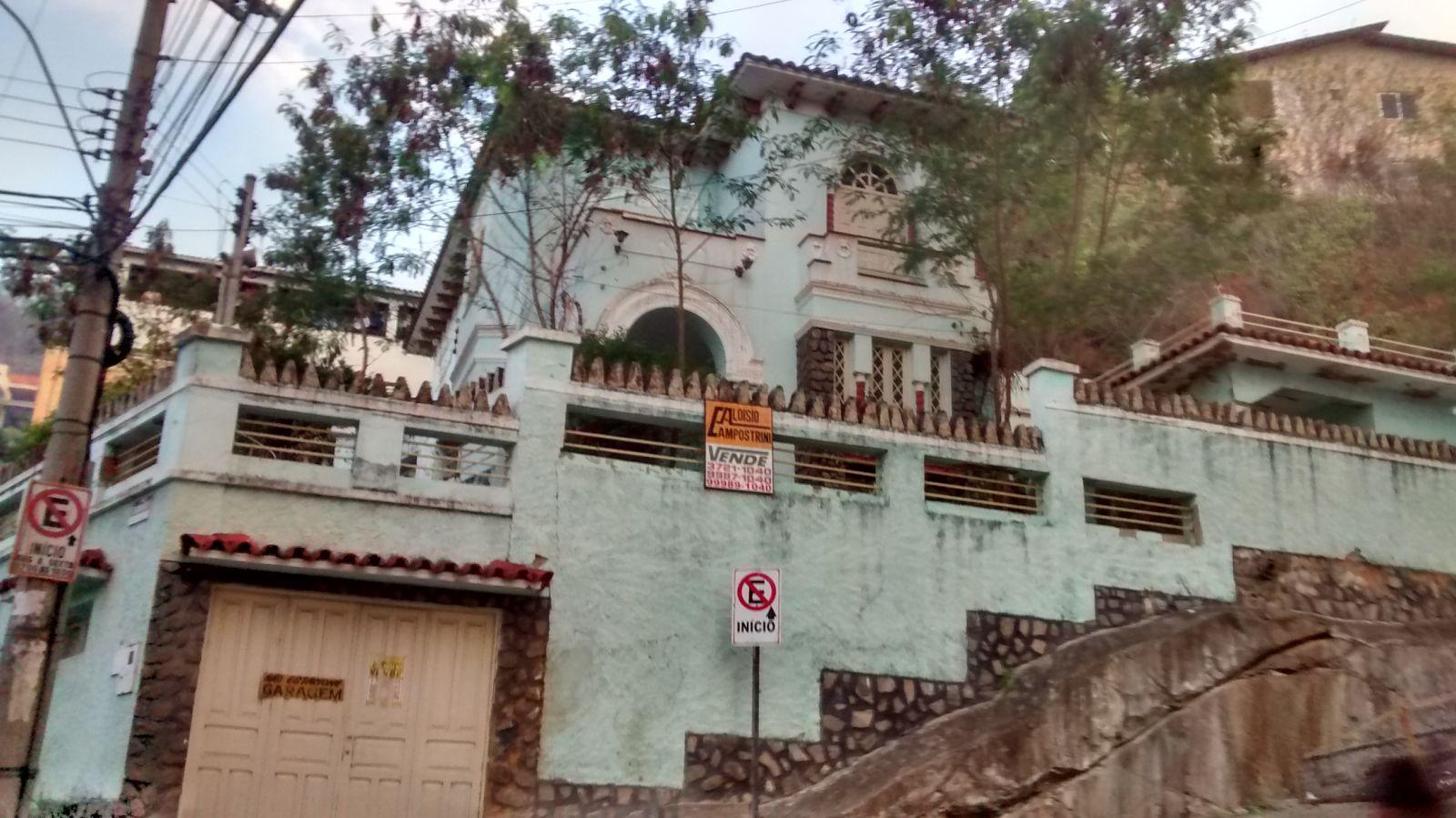 A majestosa fachada do Castelinho Colatinense