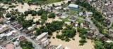 Chuva forte inunda Pancas fecha rodovia com alagamentos e queda de barreiras