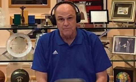 """Oscar Schmidt: """"o basquete brasileiro foi muito judiado"""""""