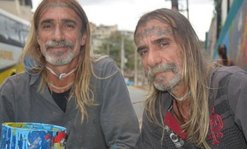 Irmãos Gemada grafitam Centenário de Colatina em supermural colorido