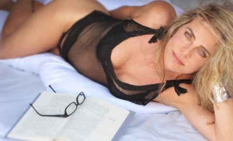 Bruna Lombardi arrasa aos 66 Anos