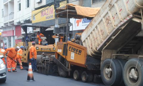Avenida Sílvio Avidos recebe asfalto novo em Colatina
