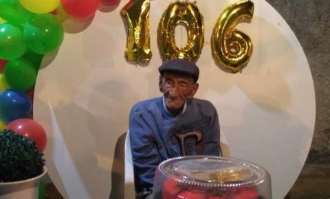 Seu Norberto faz 106 anos em Itarana