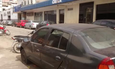 Colatina, o paraíso do carro abandonado na rua