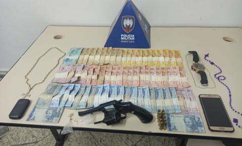 Menores presos com arma, drogas e dinheiro no Bela Vista