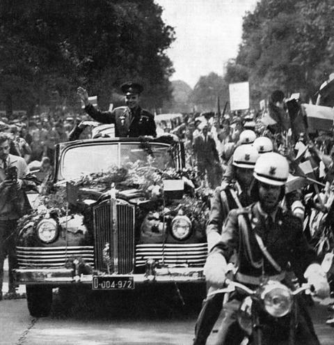 Yuri Gagarin tornou-se o primeiro ser humano a ir ao espaço em 1961